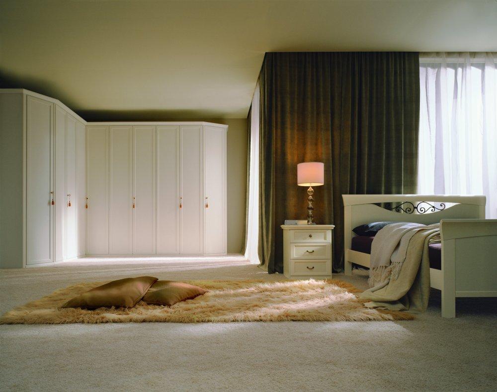 Franco arredamenti dormitoare clasice 12 for Franco picciotti arredamenti